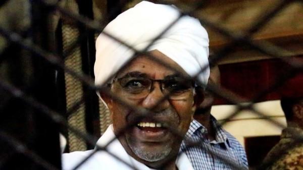 """""""زيرو فساد"""" السودانية تعلن عن العثور على هاتف محمول حديث مع البشير"""