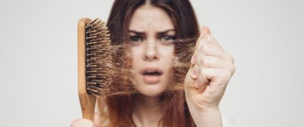 أفضل الطرق للقضاء على مشكلة تساقط الشعر