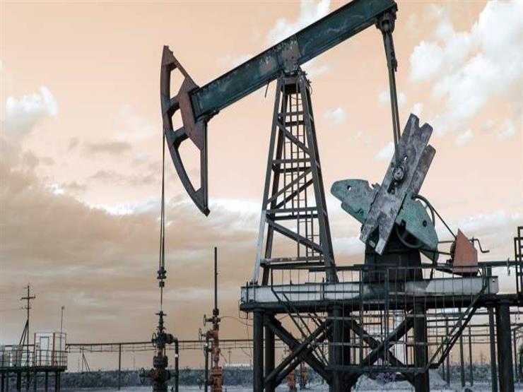 النفط يتراجع اليوم الثلاثاء والمستثمرون يتابعون طرح أرامكو