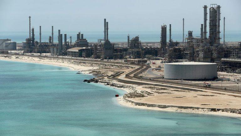 """مشاورات إيجابية بين الكويت والسعودية حول """"المنطقة المقسومة"""""""