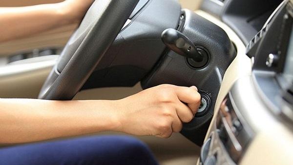 معلومات صادمة حول تسخين السيارة قبل القيادة في الشتاء