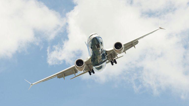 تطوير برنامج يقوم بالتحكم بالطائرات في حالات الطوارئ