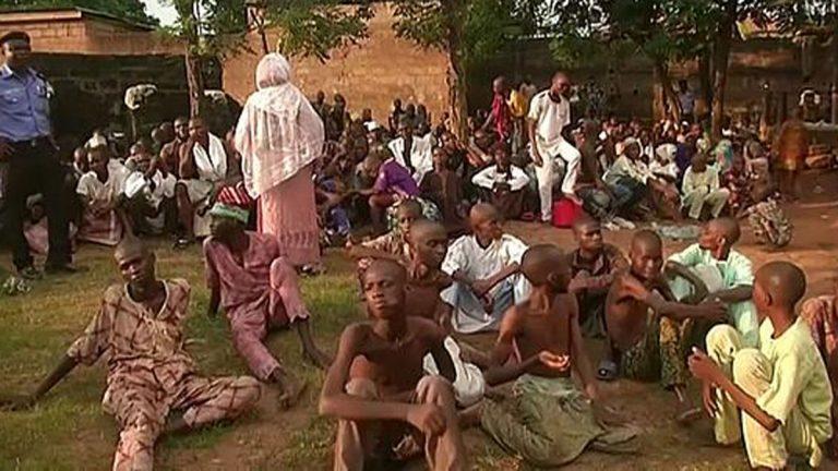 الشرطة النيجيرية تحرر 259 شخص من أحد مراكز إعادة التأهيل